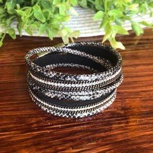 Wrap bracelet with silver heavy duty magnet clip